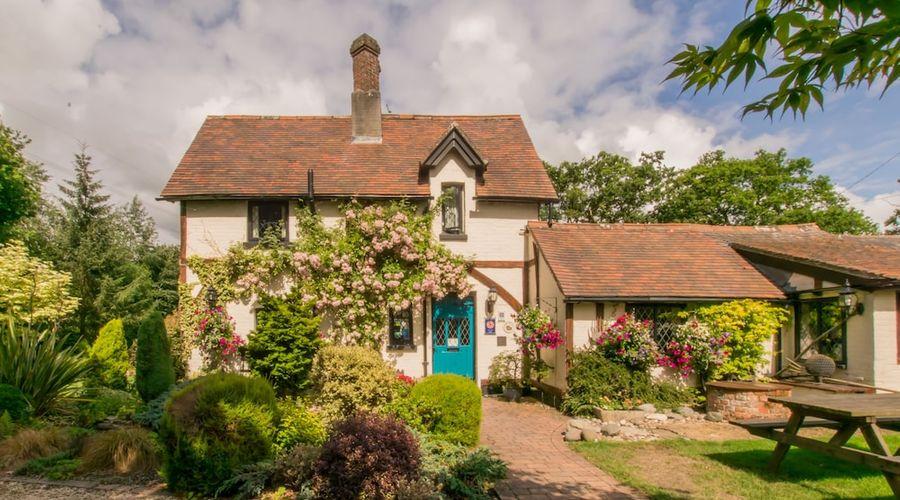 Dale Farm House-1 of 7 photos