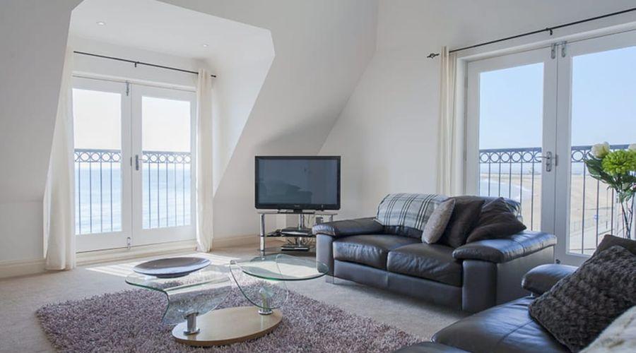 My Seaside Luxury Upper Deck Ramsgate-1 of 15 photos