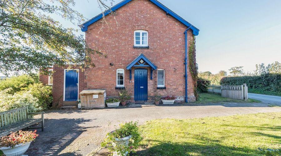 Eudon Burnell Cottage-16 of 22 photos