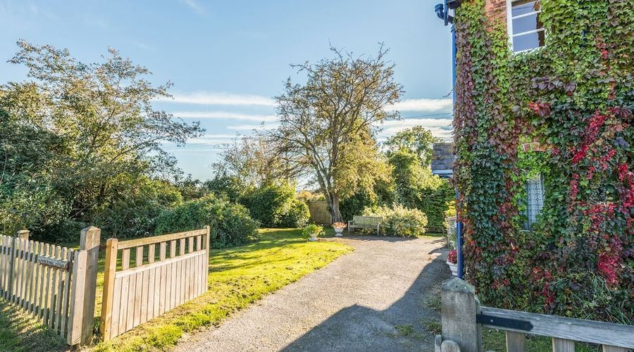 Eudon Burnell Cottage-14 of 22 photos