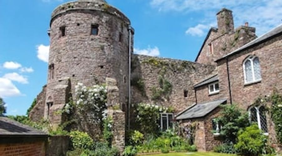 Castle Barton-18 of 19 photos