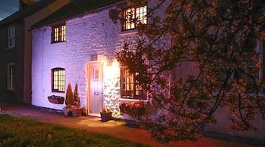 Clara's Cottage-22 of 25 photos