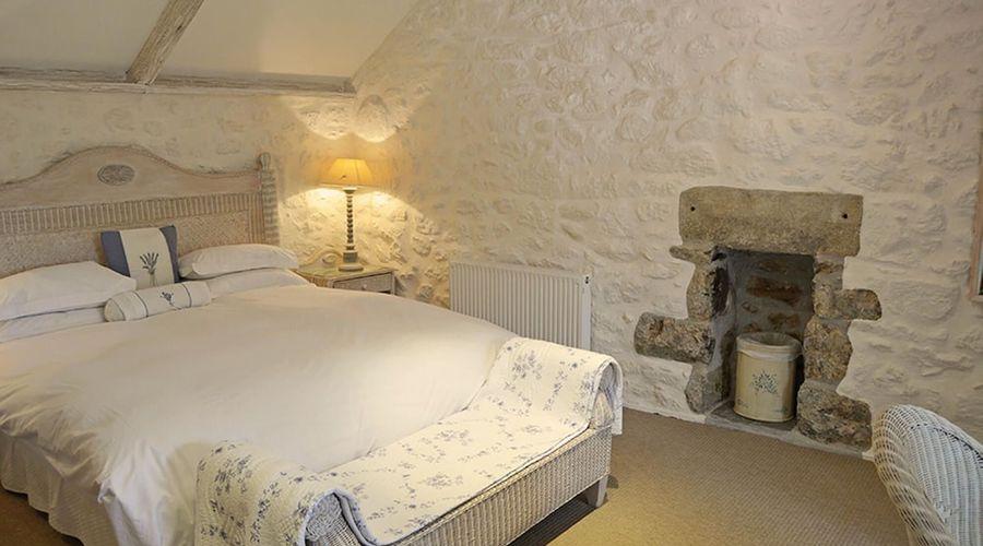 Luxury 5-star farmhouse near the Cornish coast on the Bonython Estate, Lizard Peninsula-2 of 26 photos