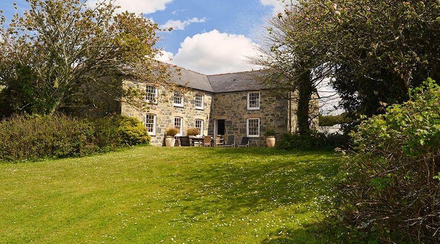 Luxury 5-star farmhouse near the Cornish coast on the Bonython Estate, Lizard Peninsula-26 of 26 photos