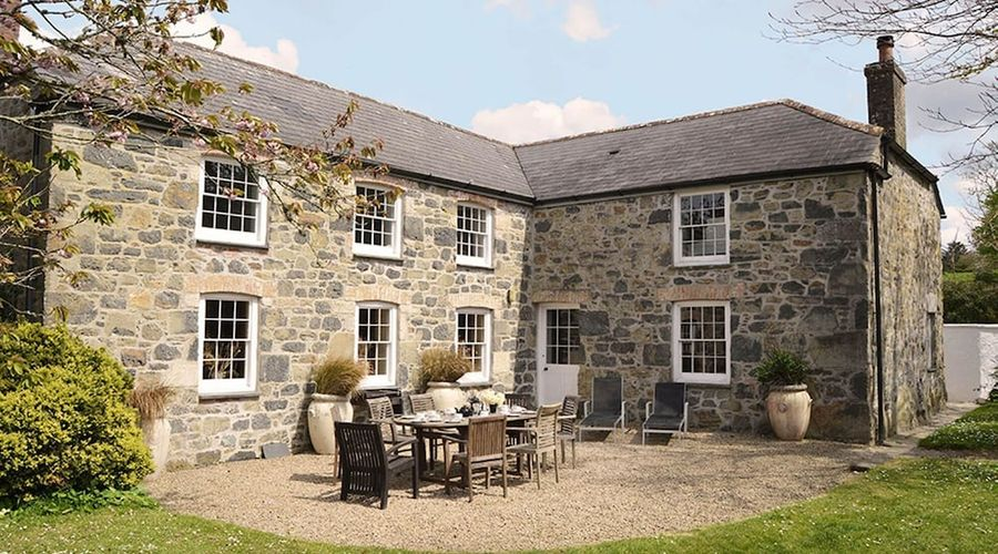 Luxury 5-star farmhouse near the Cornish coast on the Bonython Estate, Lizard Peninsula-25 of 26 photos