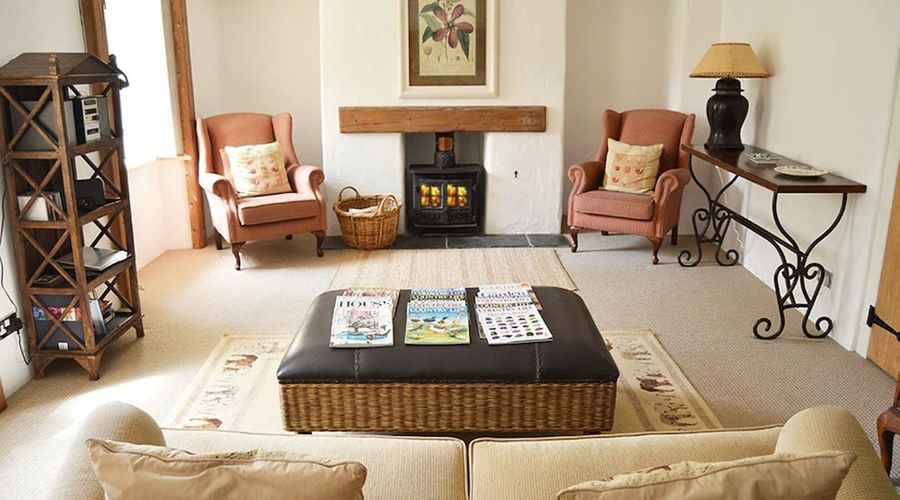 Luxury 5-star farmhouse near the Cornish coast on the Bonython Estate, Lizard Peninsula-17 of 26 photos