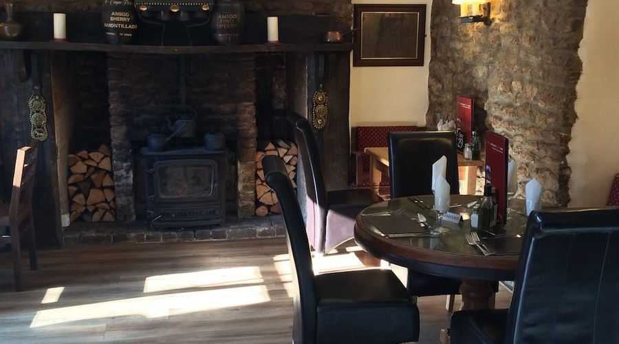 The Hunter's Lodge Inn-16 of 18 photos