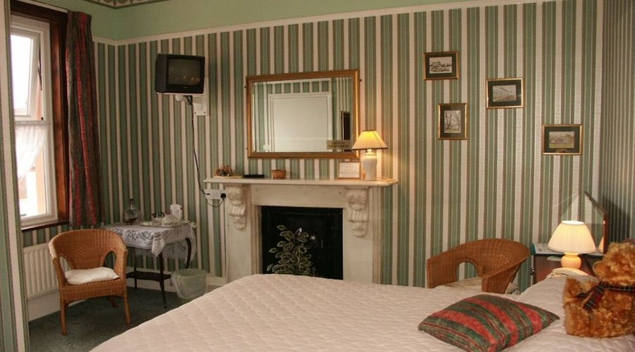 The Moorings - Guest House-10 of 17 photos