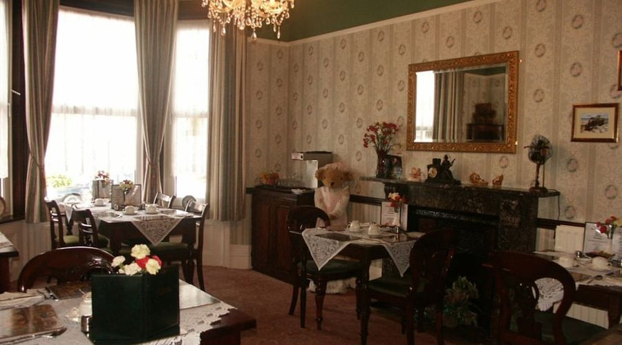 The Moorings - Guest House-16 of 17 photos