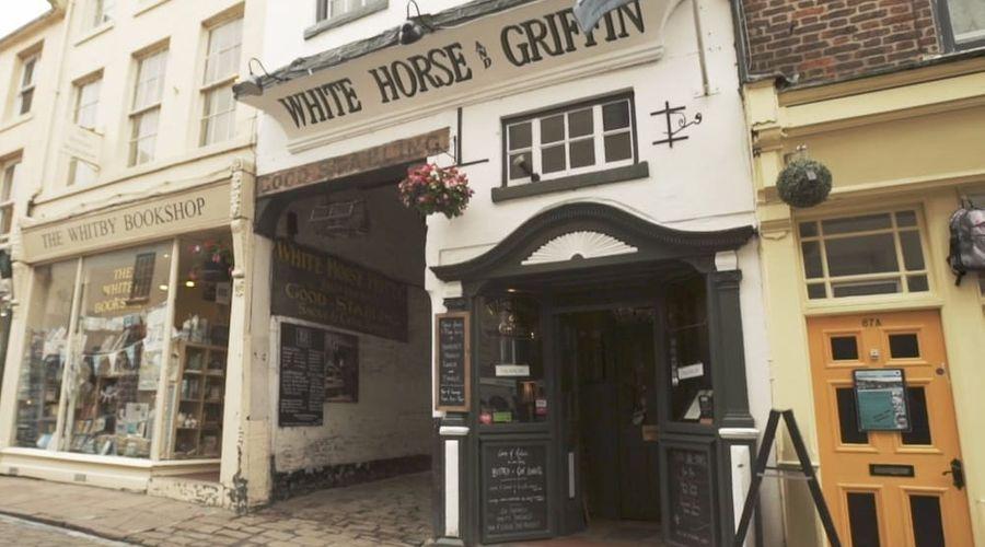 White Horse & Griffin-1 of 32 photos