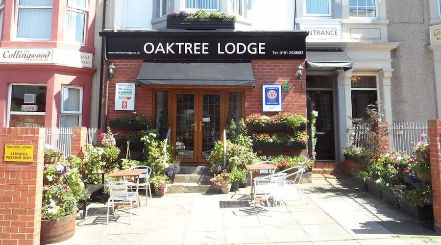 Oaktree Lodge-1 of 27 photos