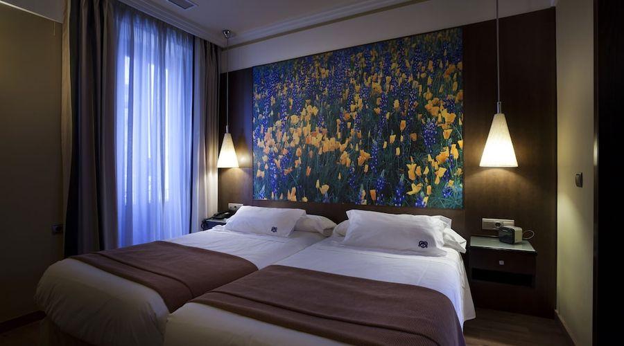 Suites Gran Via 44-9 of 45 photos