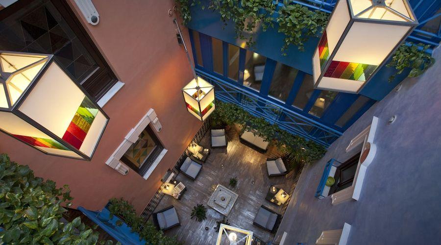 Suites Gran Via 44-4 of 45 photos