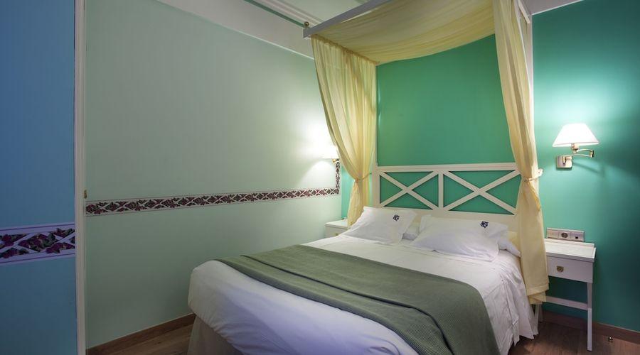 Suites Gran Via 44-7 of 45 photos