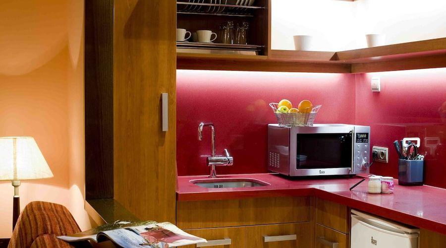 Suites Gran Via 44-11 of 45 photos
