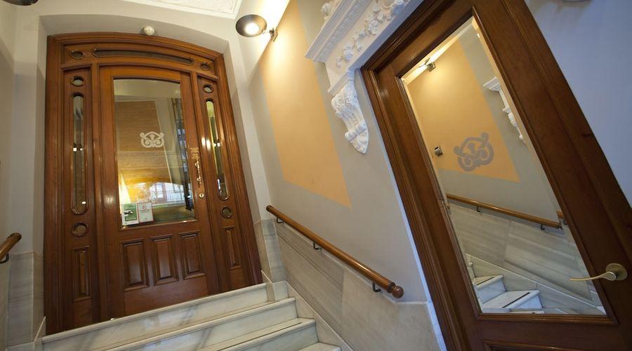 Suites Gran Via 44-41 of 45 photos