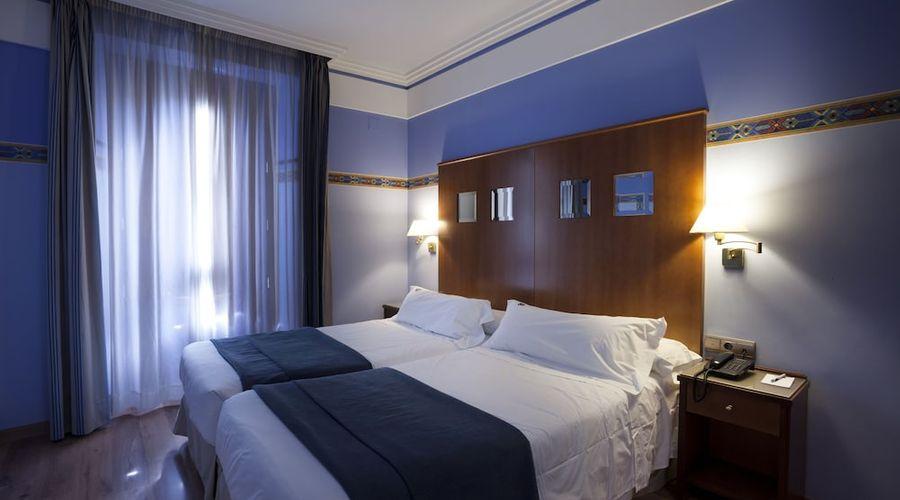 Suites Gran Via 44-8 of 45 photos