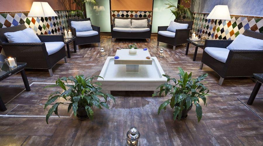 Suites Gran Via 44-3 of 45 photos