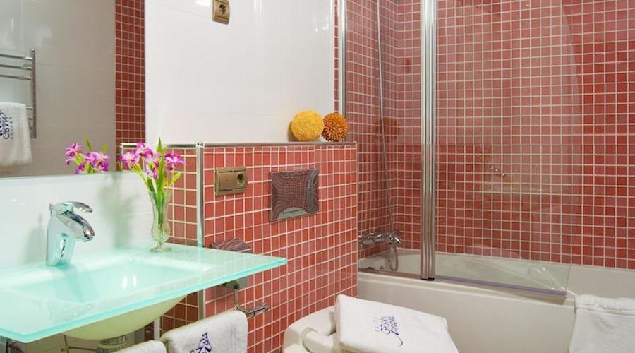 Suites Gran Via 44-28 of 45 photos