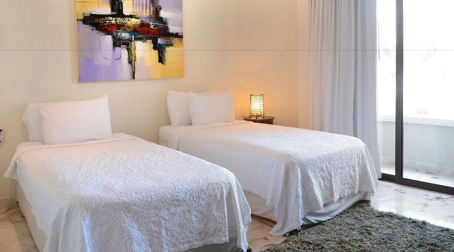 El Taj Oceanfront & Beachside Condo Hotel-40 of 155 photos