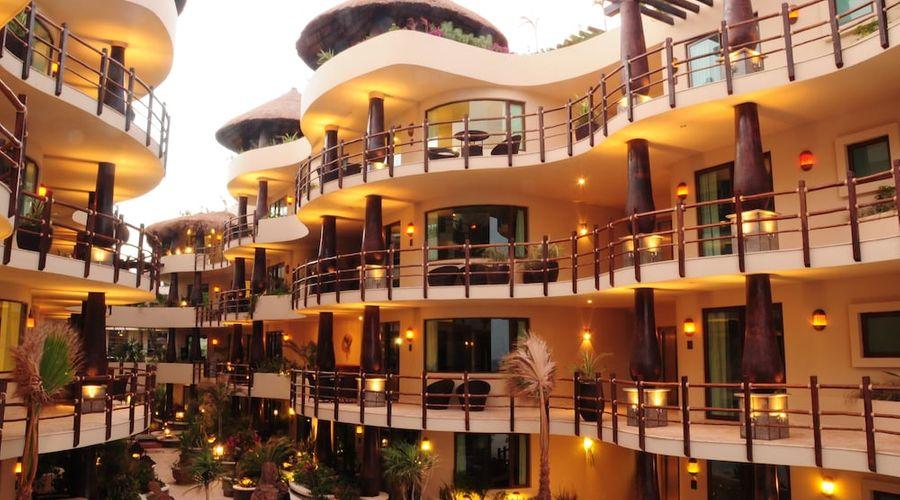 El Taj Oceanfront & Beachside Condo Hotel-151 of 155 photos