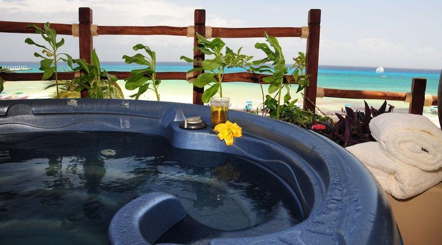 El Taj Oceanfront & Beachside Condo Hotel-117 of 155 photos
