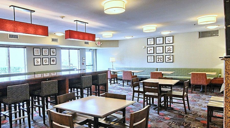 Country Inn & Suites by Radisson, Dearborn, MI-39 of 52 photos