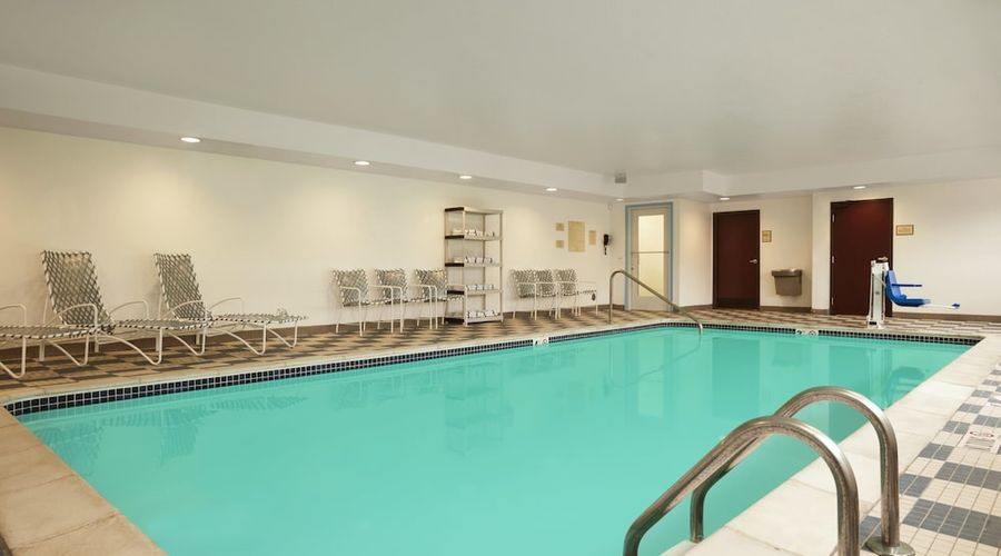 Country Inn & Suites by Radisson, Dearborn, MI-29 of 52 photos