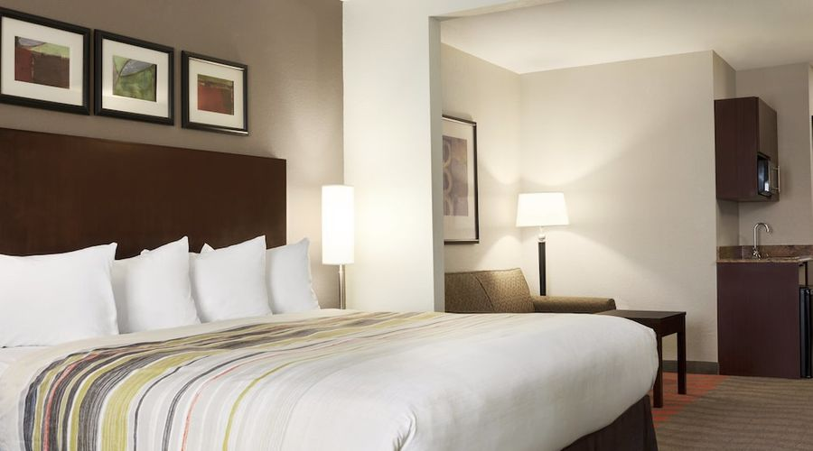 Country Inn & Suites by Radisson, Dearborn, MI-1 of 52 photos