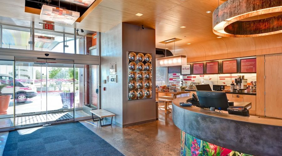 Aloft Phoenix Airport-3 of 29 photos