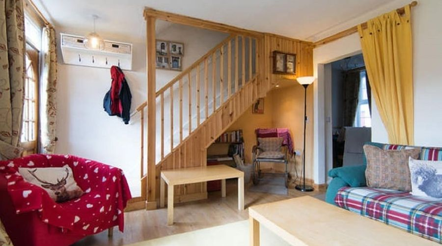 Crinan Canal Cottage-6 of 30 photos