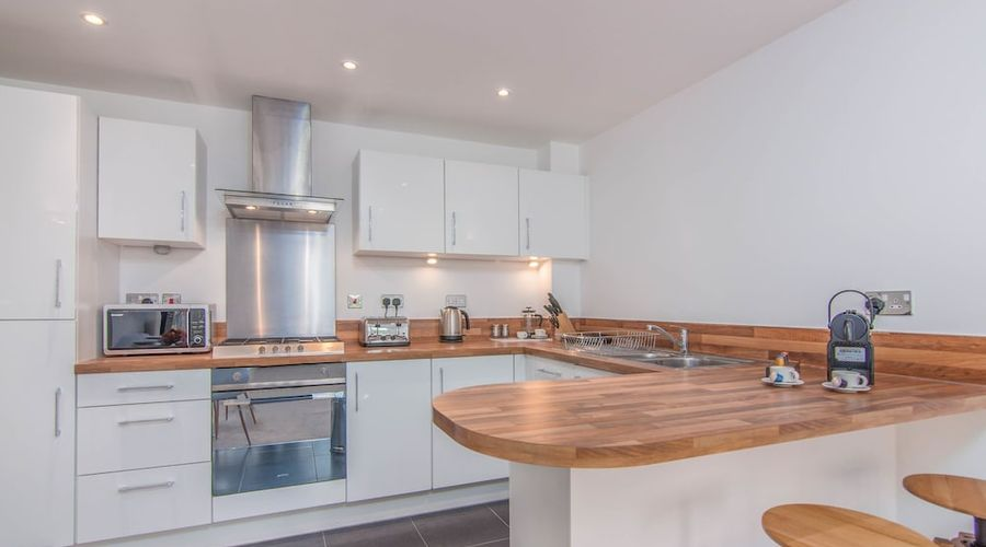 Executive Stansted Airport Apartment-17 of 17 photos