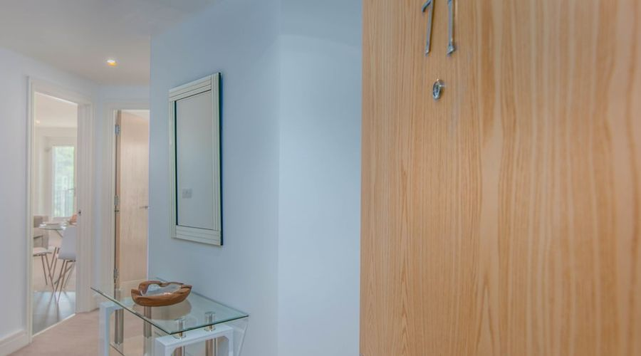 Executive Stansted Airport Apartment-2 of 17 photos