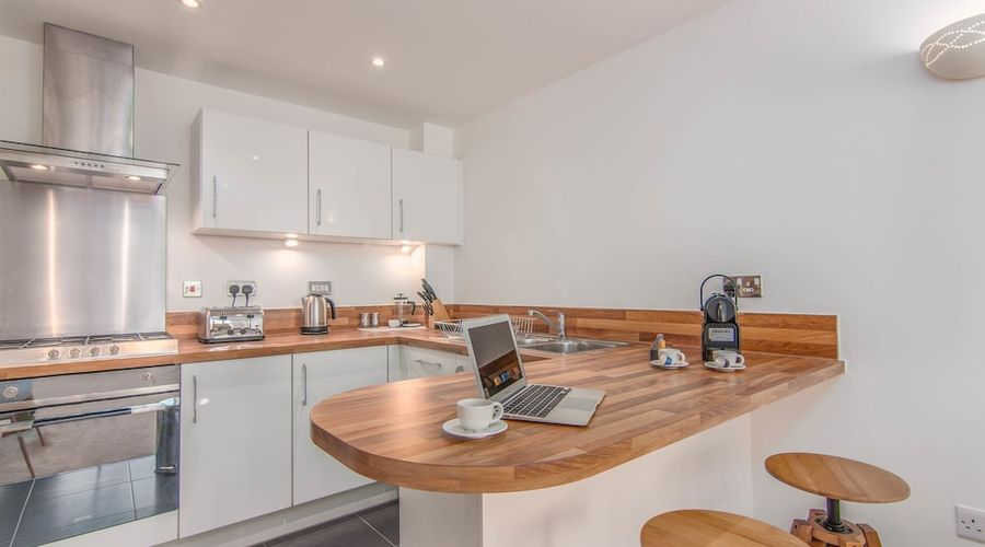 Executive Stansted Airport Apartment-12 of 17 photos