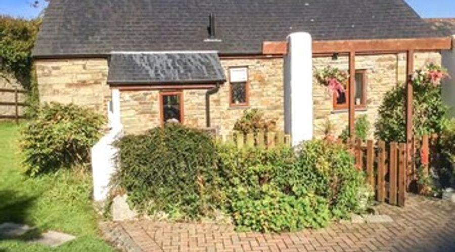 Poldark Cottage-1 of 14 photos