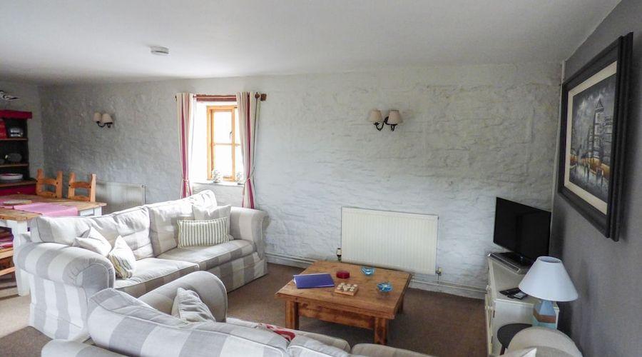 Primrose Cottage-10 of 23 photos
