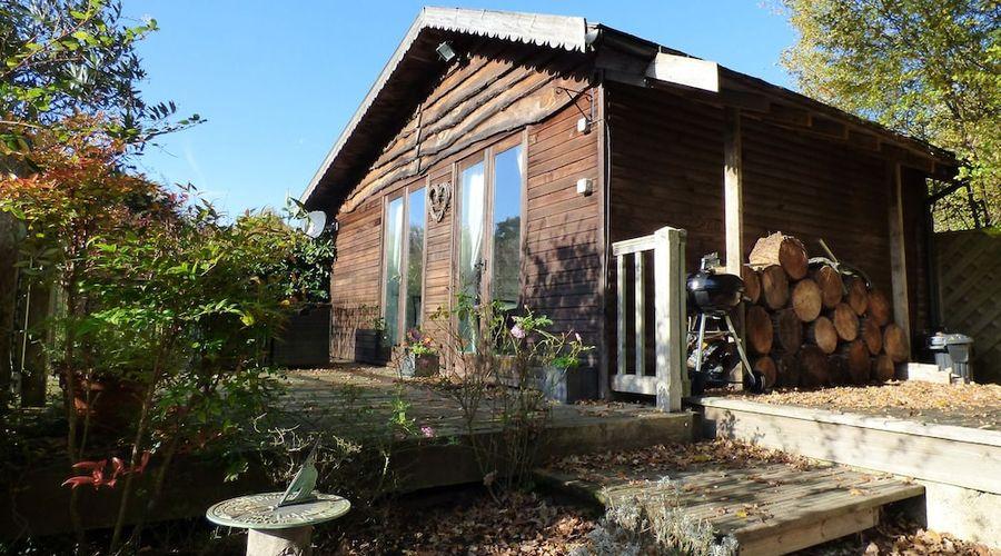 Woodmancote Lodge-10 of 13 photos