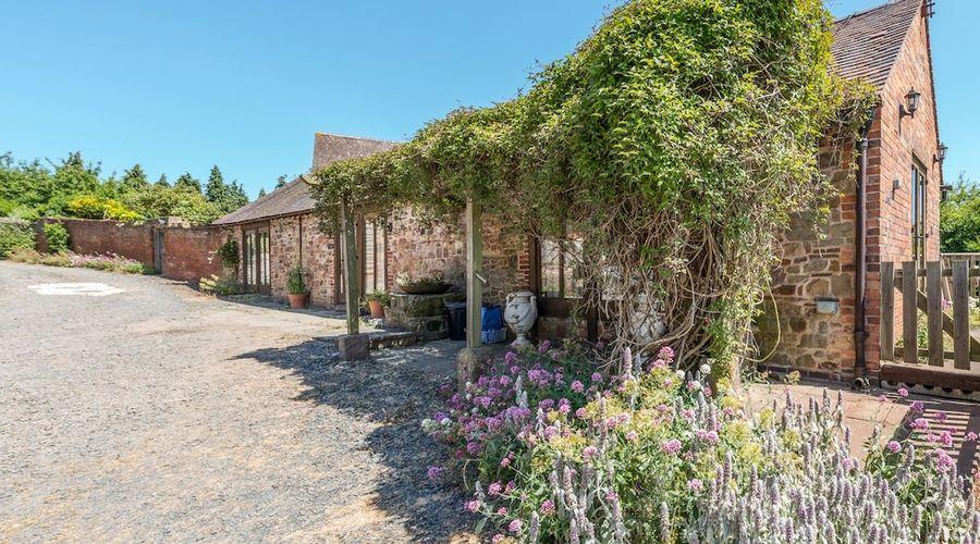 Garden Barn-1 of 18 photos