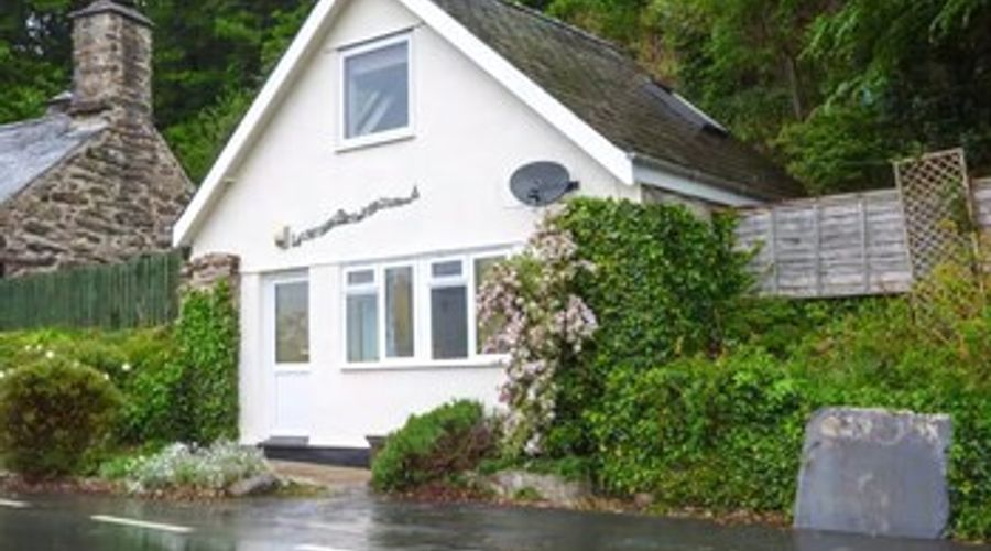 Bryn Melyn Artist's Cottage-1 of 12 photos