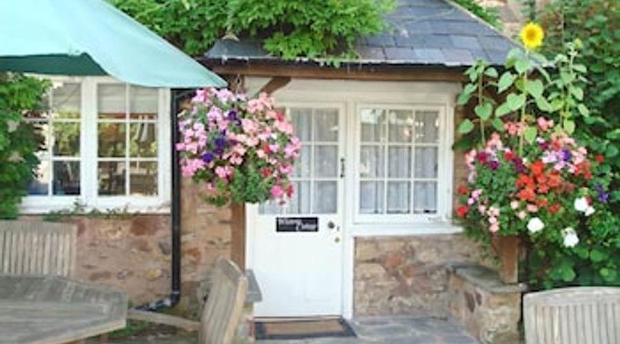 Wisteria Cottage-1 of 8 photos