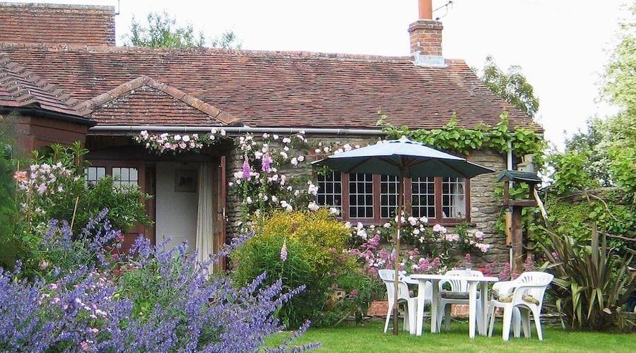 Quiet Corner Cottage-17 of 17 photos