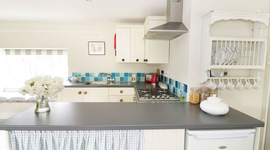 Frith Cottage-9 of 28 photos