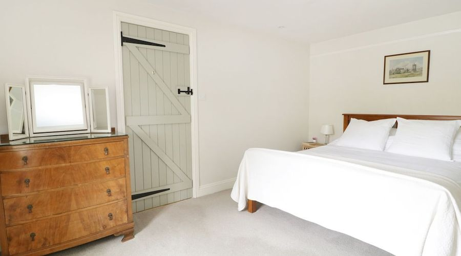 Frith Cottage-6 of 28 photos