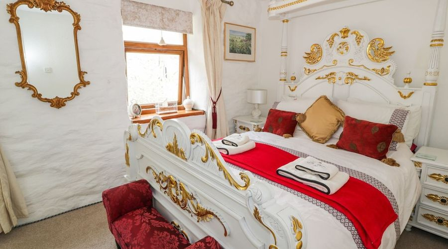 Trefeini Cottage-3 of 27 photos