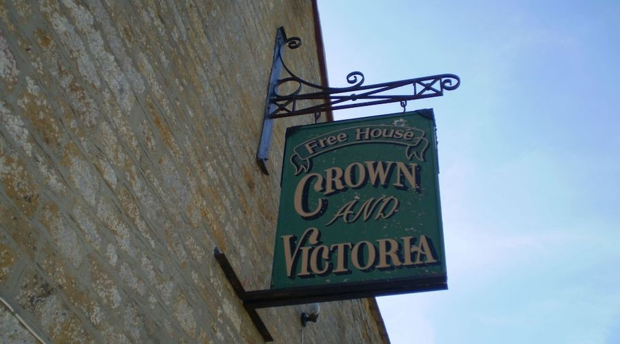 The Crown & Victoria-16 of 16 photos