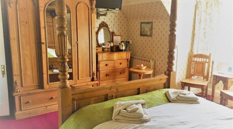 Halfway House Inn Country Lodge-18 of 47 photos