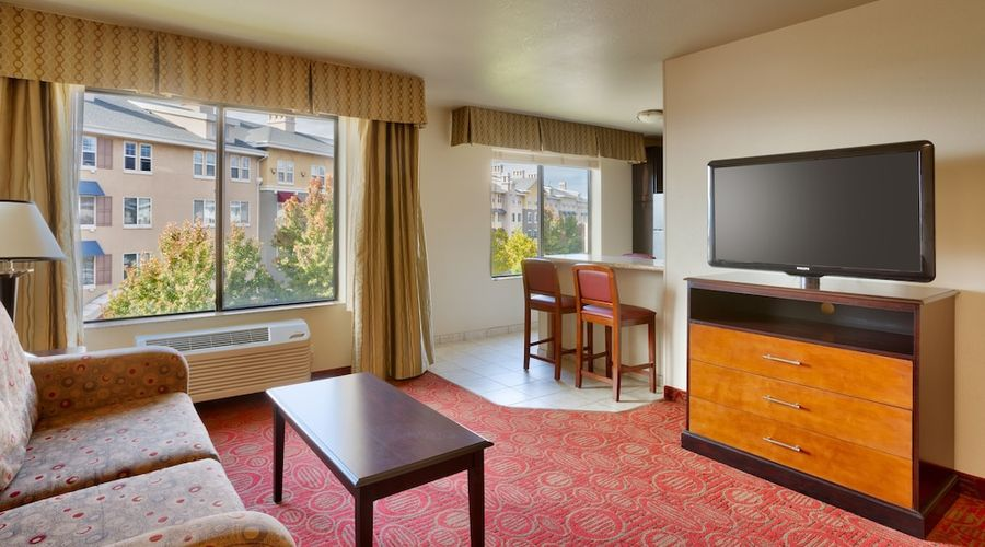 Holiday Inn Express Hotel & Suites Orem - North Provo-14 of 38 photos