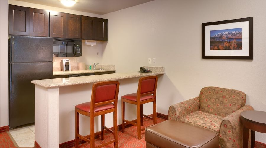 Holiday Inn Express Hotel & Suites Orem - North Provo-35 of 38 photos