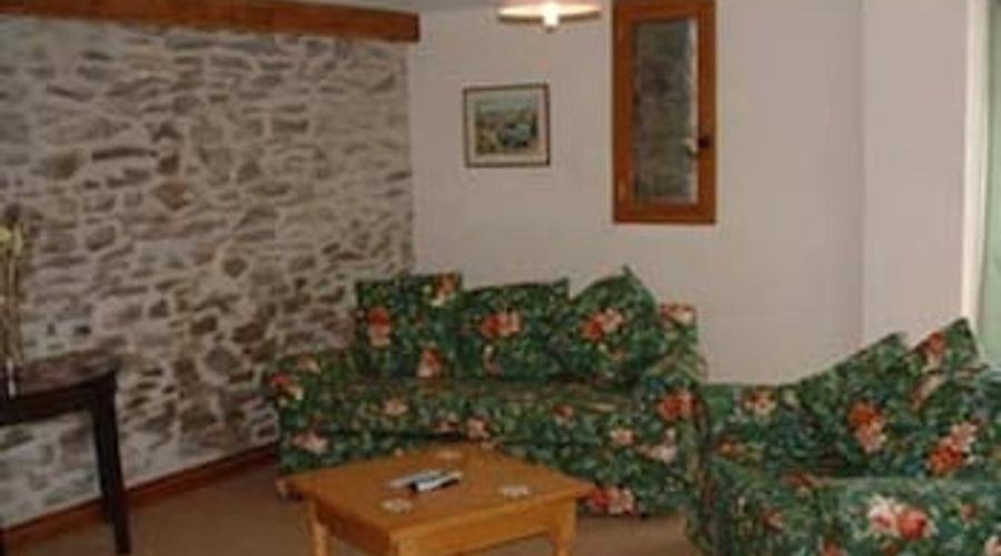 Pwllgwilym Holiday Cottages and B&B-2 of 10 photos