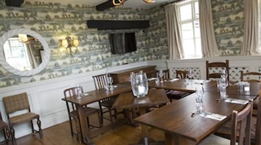 Hadley Bowling Green Inn-14 of 22 photos